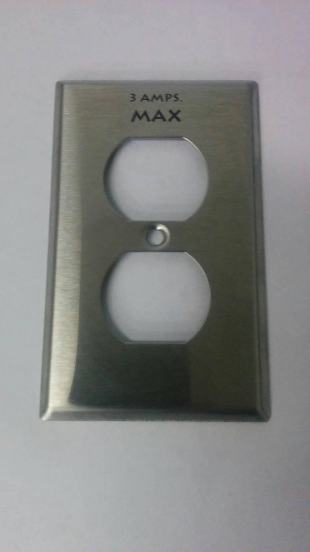 Prise électrique marquée au laser