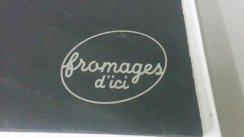 Ardoise avec logo gravé