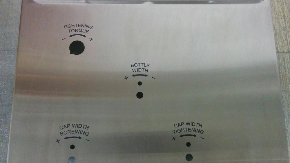 Panneau de contrôle en métal marquée au laser