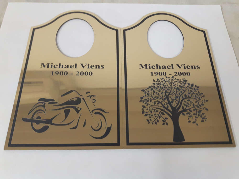 Gold plastic tags with different drawings