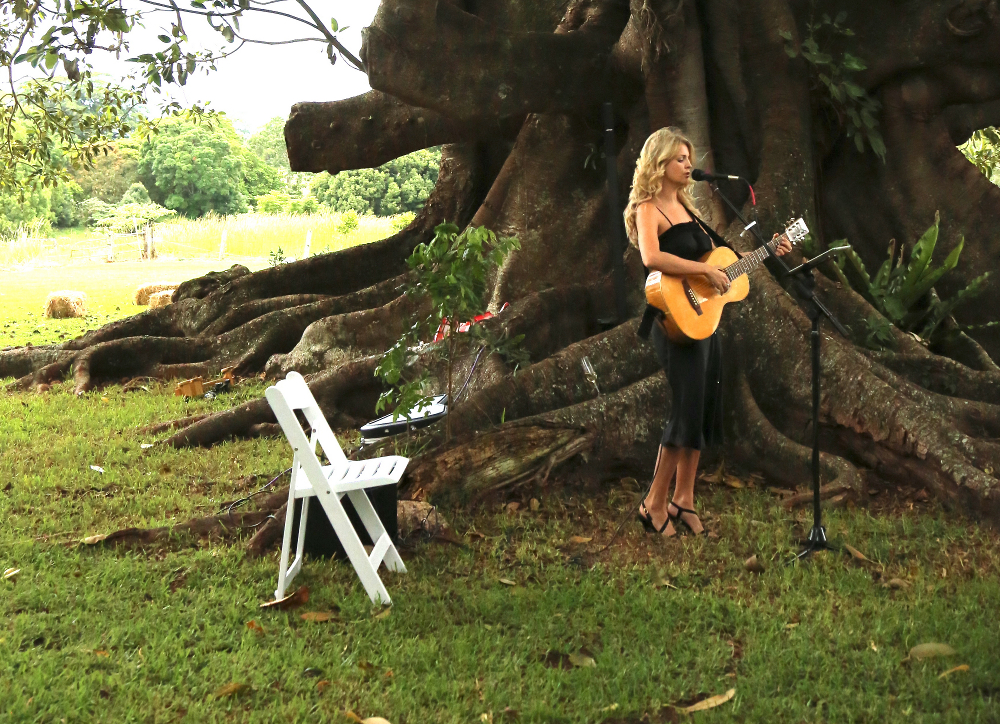 Amanda King Wedding Singer Brisbane Gold Coast.jpg