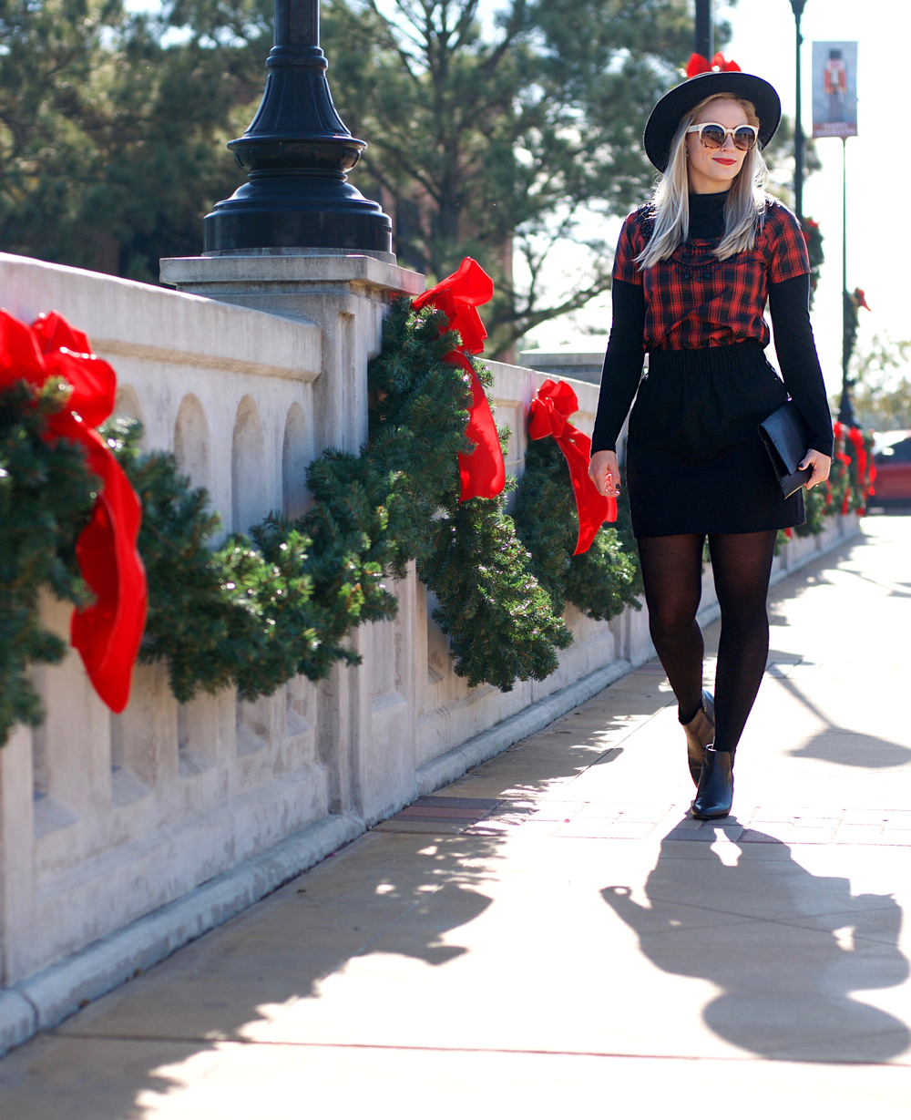 Black and Red Holiday Look5.jpg