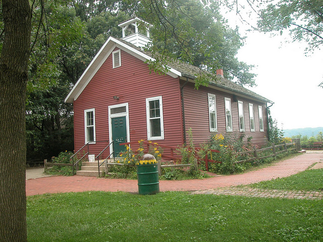 Little Red Schoolhouse (1886) in Palos Hills, IL.  Photo credit: David Wilson
