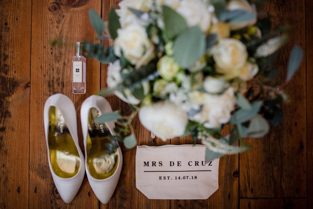 Upton_Barn_Wedding_Photographer_Devon_1.jpg
