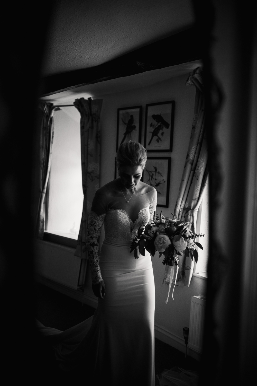 Upton_Barn_Wedding_Photographer_Devon-16.jpg