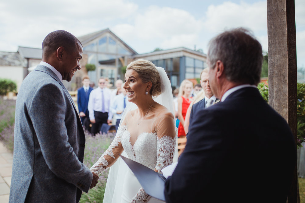 Upton_Barn_Wedding_Photographer_Devon-22.jpg