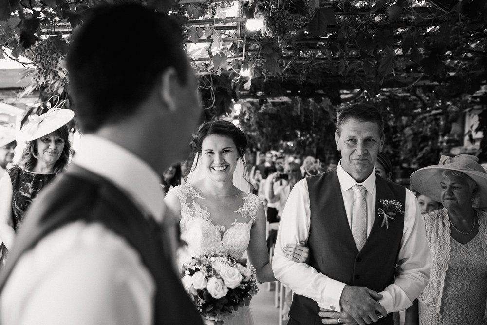 OLD_BARN_WEDDING_PHOTOGRAPHER-19.jpg