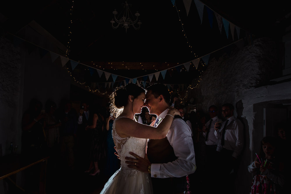 OLD_BARN_WEDDING_PHOTOGRAPHER-64.jpg