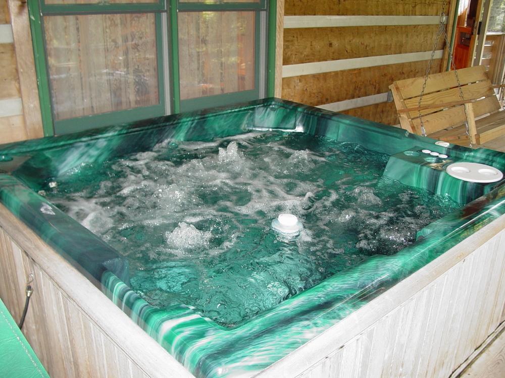 D_R_Hot Tub_09.15.05_025.jpg