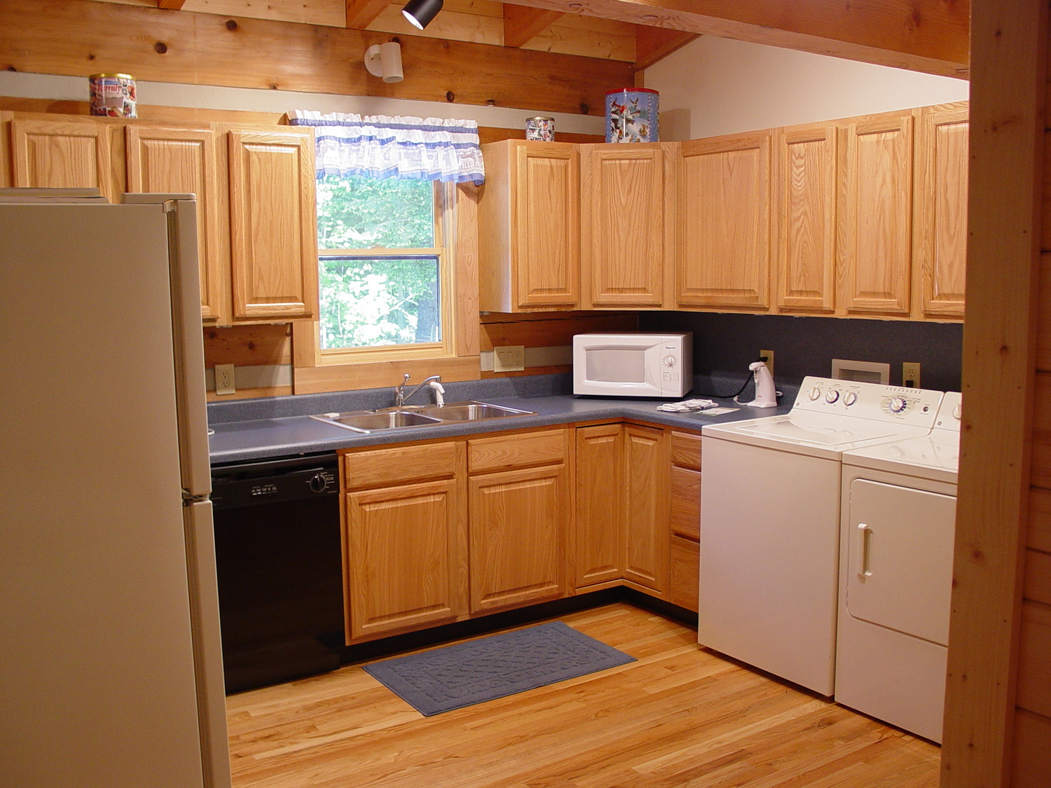 Kitchen and Appliances — Secluded Log Cabin Vacation Rentals, Hot ...