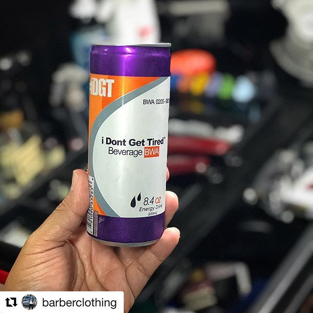 #Repost @barberclothing with @get_repost ・・・ My drink of choice before I start chopping heads @idgtenergydrink .. #barberclothing #91345cutz #idgt #818 #805 #barber #barbergang @kadafi_twcb ☕️🐸