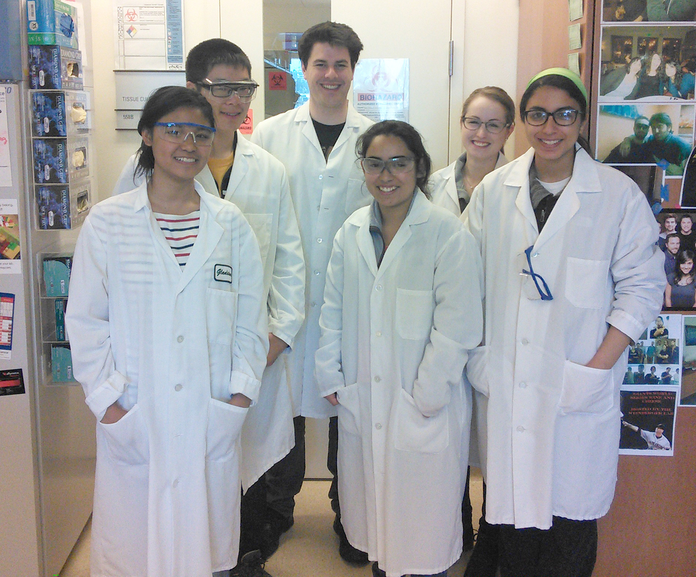Jon and Victoria with Gladstone's 2015 Diversity Interns after an afternoon learning sterile techniques!