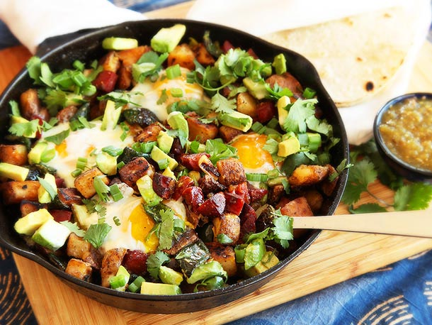 This breakfast dish is the perfect combination of meat, potatoes, and eggs. It's guaranteed to help you start your day off right! Click here for recipe!