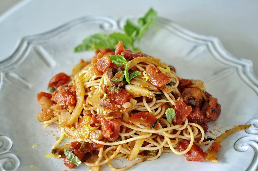SpaghettiallaPuttanesca7 copy.jpg