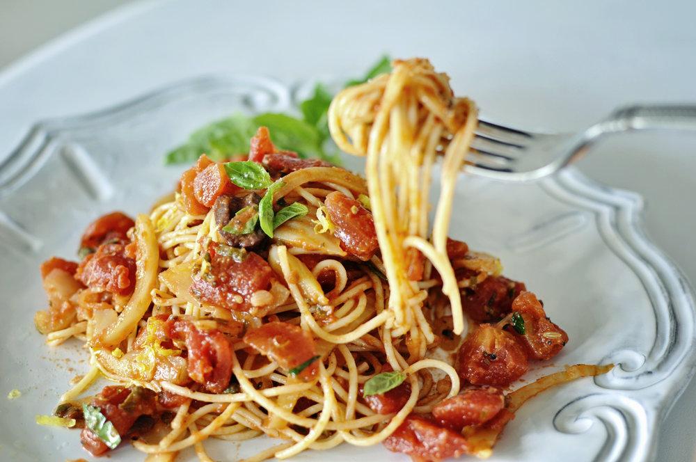 SpaghettiallaPuttanescaFork10.jpg