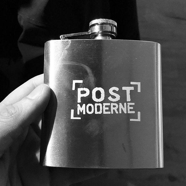 @post_moderne nous offre de beaux cadeaux à @festivalregard 🙊