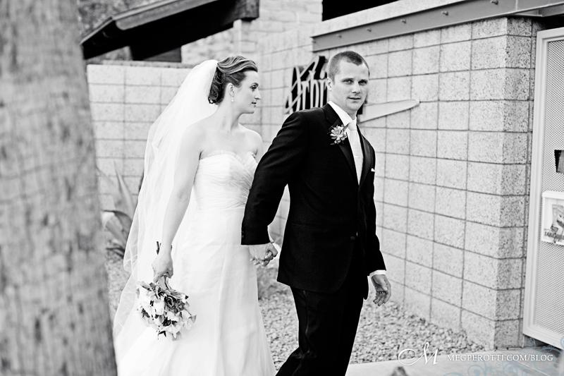 0043ChrisCarly_Wedding_PalmSprings_OrbitIn