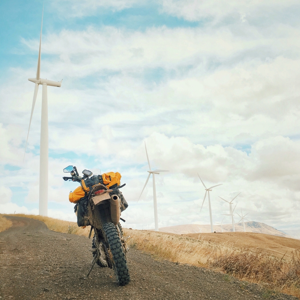 Dooley Road, Columbia River Gorge. Central Washington and Oregon are littered with these giant wind turbines and most of them have service roads you can ride if you're looking to get off the highway. ☁️🚲💨
