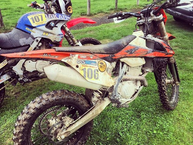 🏁. 📷: @ridethisbus Epic racing this weekend in the #beaconsrally good results #ktm was perfect, good bunch of people @danielholland87 did a bit of a number on the #bmw 😂 #WLFurtherTogether #WLFenduro #Racing #branchintheeyeballisnogoodforanyone @adventure.spec