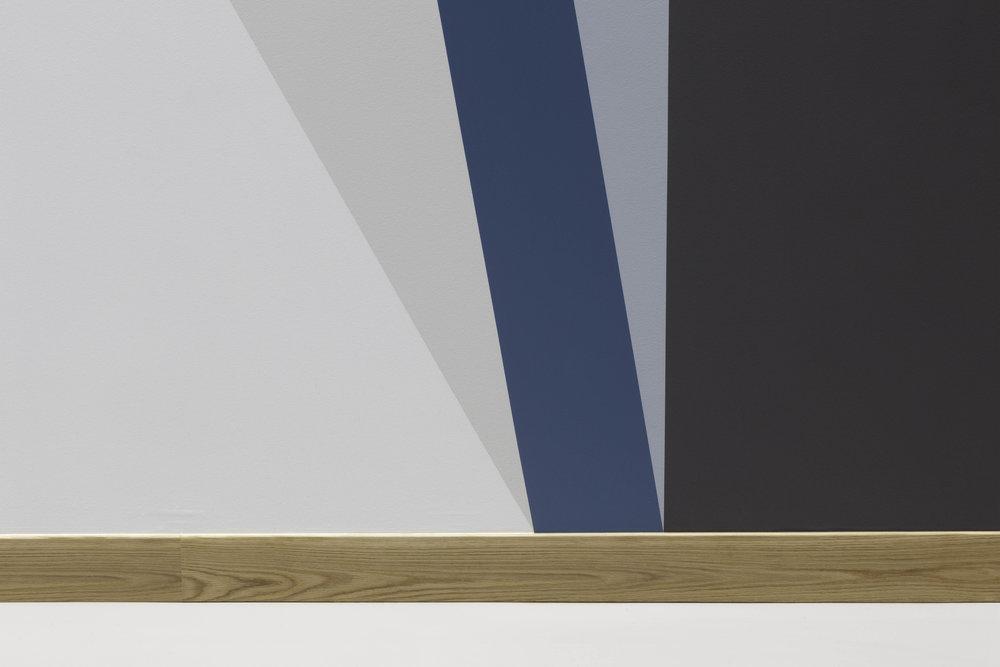 Skogssøyler, ( detail, meeting with skirting )