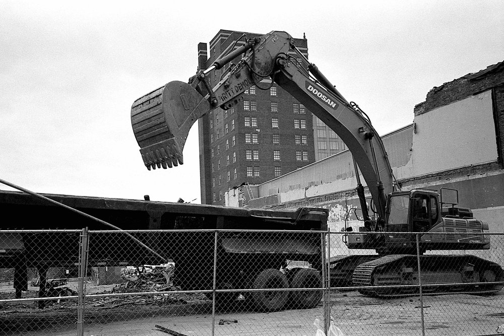 Matt Pittman / Huntsville, AL / Crunkleton Associates / 106 Jefferson Curio Collection by Hilton / Leica M7 / Ilford HP5