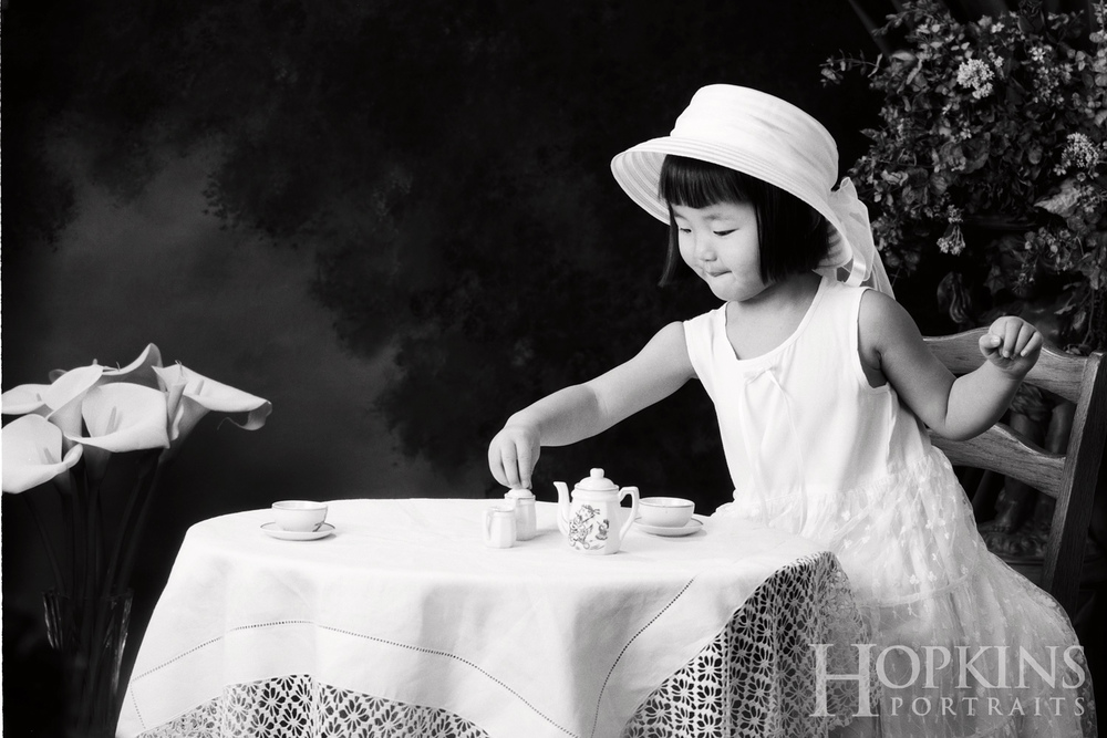 children_photography_bw_studio_tea_time.jpg