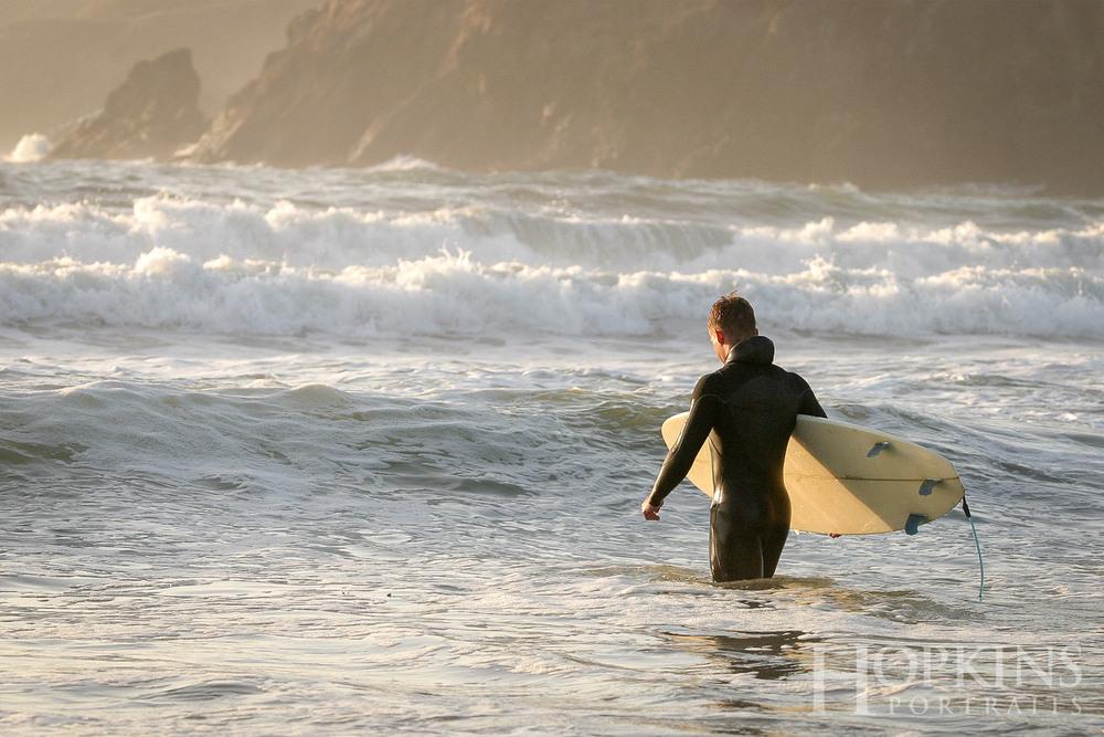 gray_surfing_senior_portraits_trinidad.jpg
