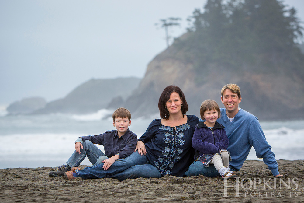 Allen_beach_family_portrait_ocean_location_photography.jpg