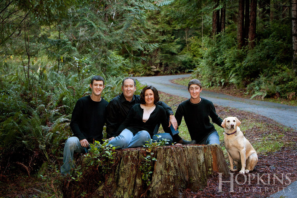 Brooks_portrait_outdoor_family_pets.jpg