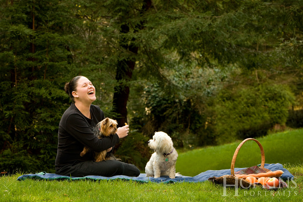 picnic_portrait_pets_lawn_outdoors_photography.jpg