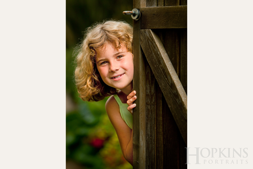 children_portraits_location_garden_photography.jpg