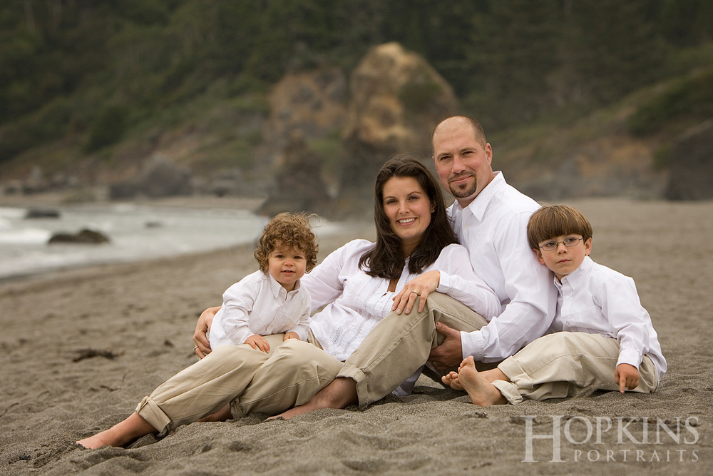 england_family_portrait_ocean_beach_photography.jpg
