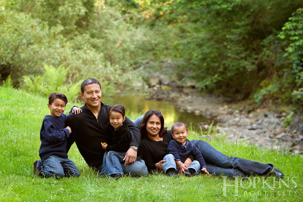 Hamanaka_family_portrait_location_outdoors_photography.jpg
