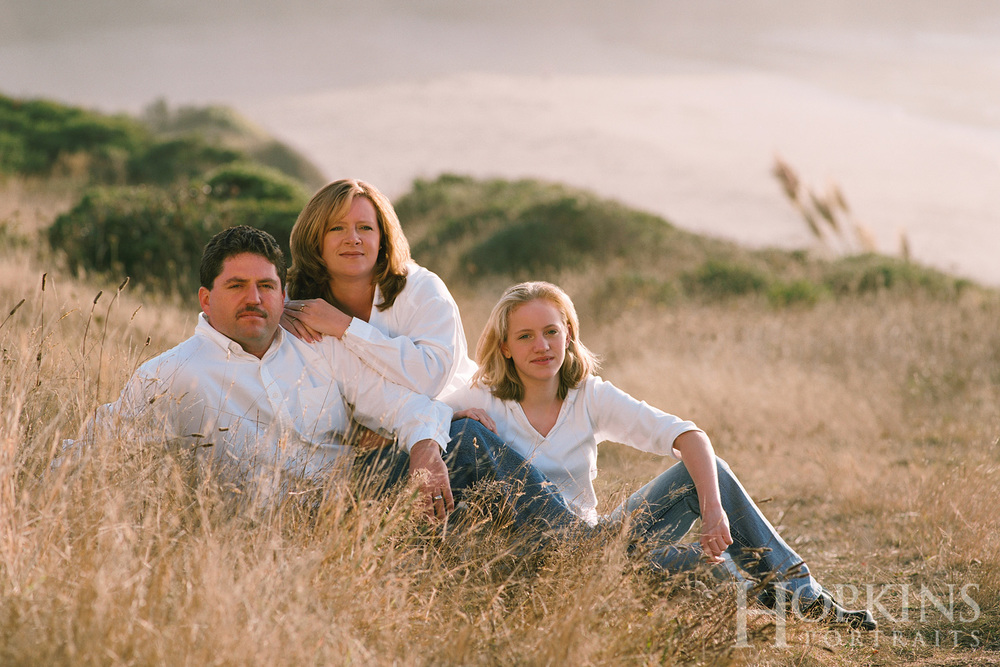 Evans_family_portrait_ocean_beach_bluff.jpg