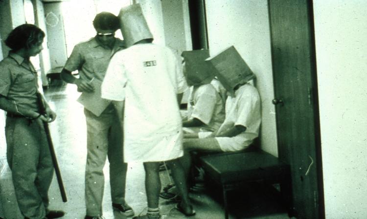 borton bortonsprint börtön zimbardo kísérlet gonosz náci helyzet kontextus rab őr szabadság