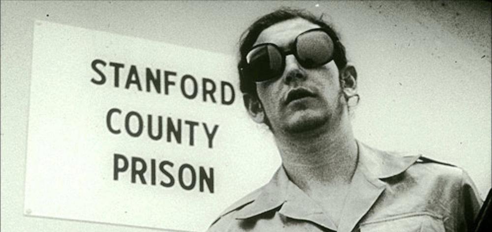 the stanford prison experiment professor philip Das stanford-prison-experiment (deutsch: das stanford-gefängnis-experiment) war ein psychologisches experiment zur erforschung menschlichen verhaltens unter den bedingungen der gefangenschaft, speziell unter den feldbedingungen des echten gefängnislebens.