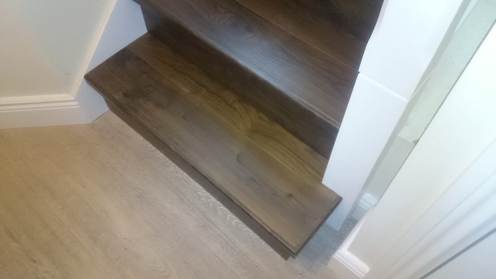 Quick step elite plank floors with subtle edging old white for Quick step flooring ireland