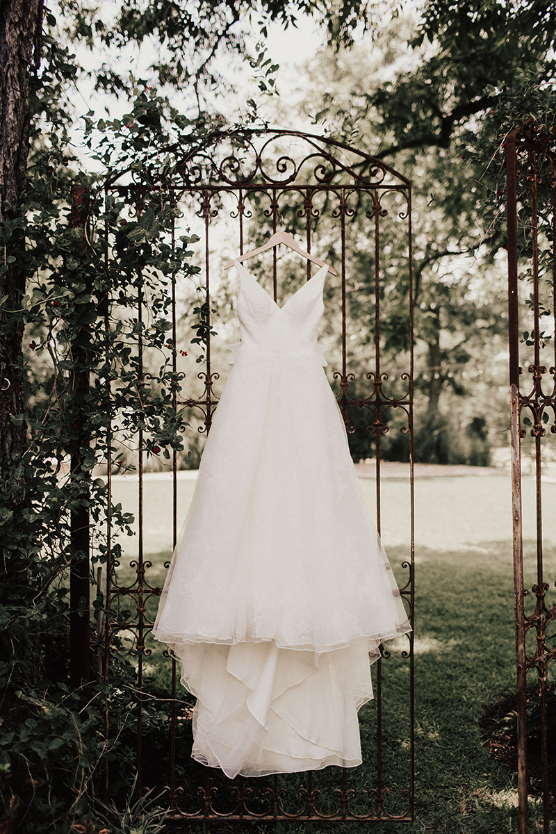 lauren-harrison-wedding-photographer-pecan-springs-ranch-austin-texas--2.jpg