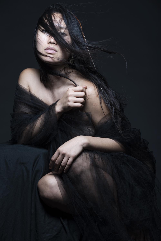 yasmin black wind 1500.jpg