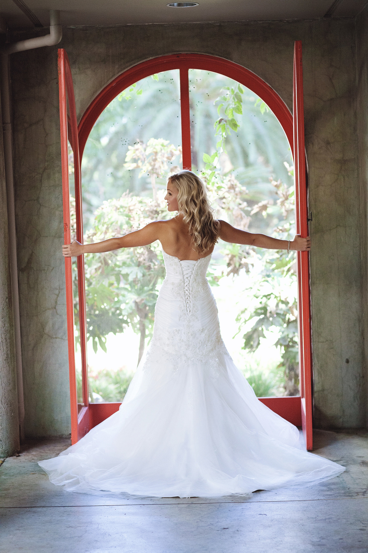 016outlivecreative.com-outliveweddings.com-outlivecreative-socialmedia-wedding-bride-groom-film-contax645-photographer-california-portland-stylemepretty-greenweddingshoes-international.jpg