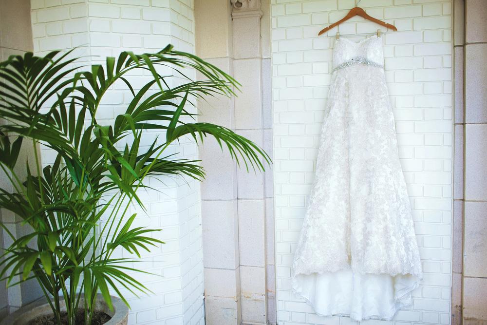 031outlivecreative.com-outliveweddings.com-outlivecreative-socialmedia-wedding-bride-groom-film-contax645-photographer-california-portland-stylemepretty-greenweddingshoes-international.jpg