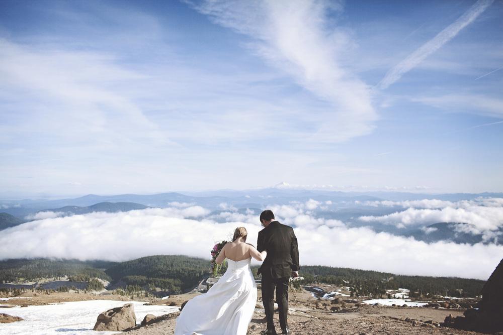 067outlivecreative.com-outliveweddings.com-outlivecreative-socialmedia-wedding-bride-groom-film-contax645-photographer-california-portland-stylemepretty-greenweddingshoes-international.jpg