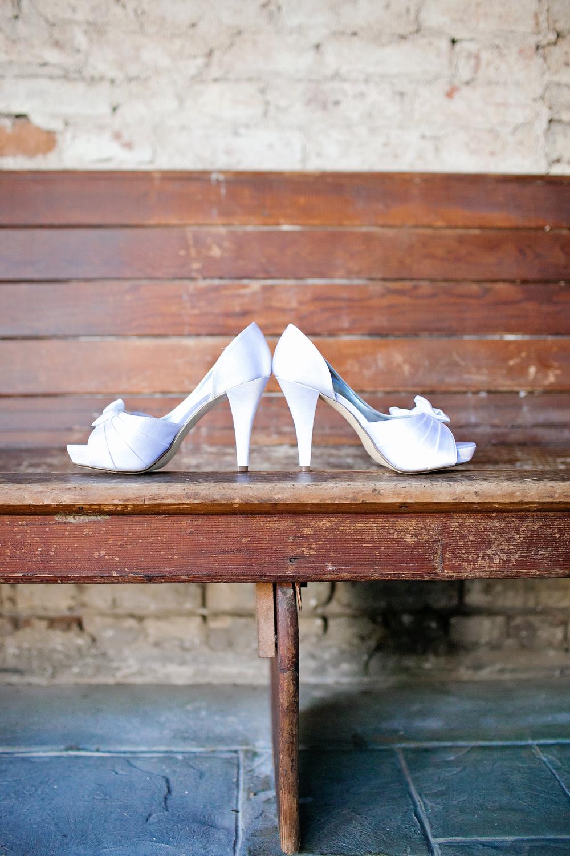 080outlivecreative.com-outliveweddings.com-outlivecreative-socialmedia-wedding-bride-groom-film-contax645-photographer-california-portland-stylemepretty-greenweddingshoes-international.jpg