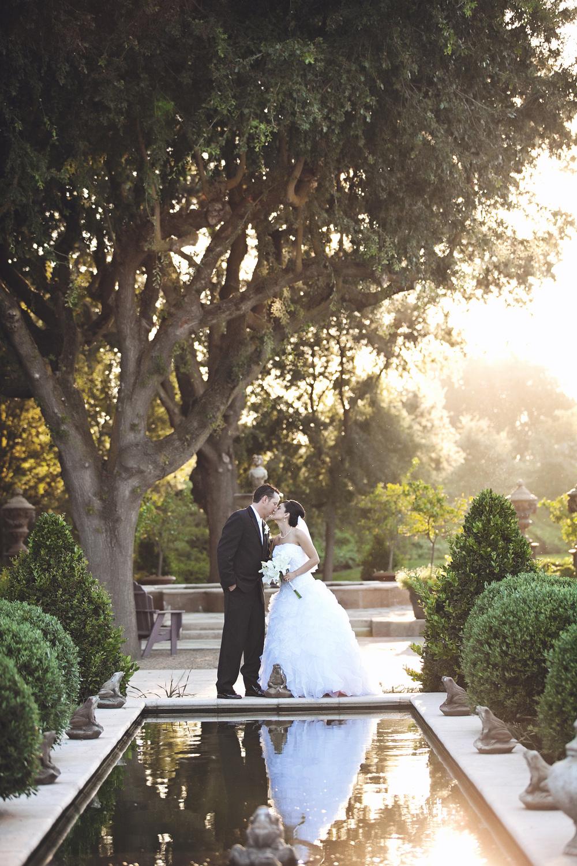 085outlivecreative.com-outliveweddings.com-outlivecreative-socialmedia-wedding-bride-groom-film-contax645-photographer-california-portland-stylemepretty-greenweddingshoes-international.jpg