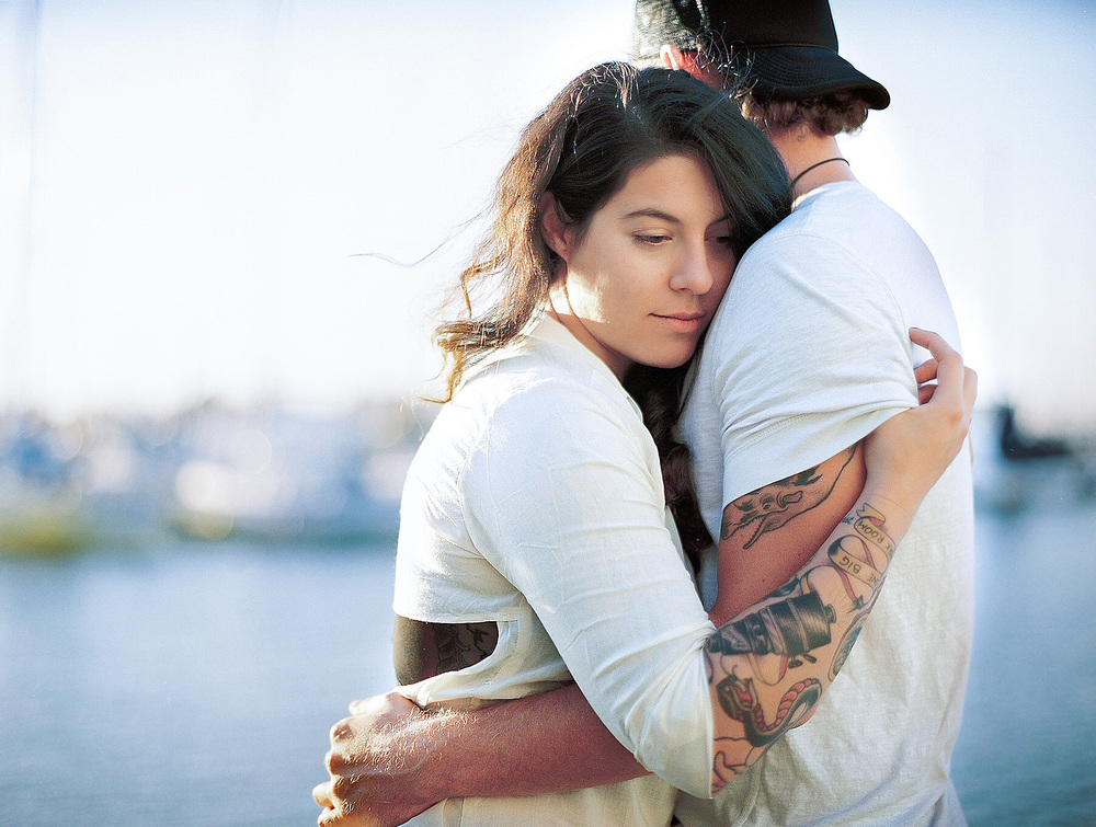 WP-lia-jason-sailor-oakland-california-bay-water-couple-love-engagement-tatoos007.jpg