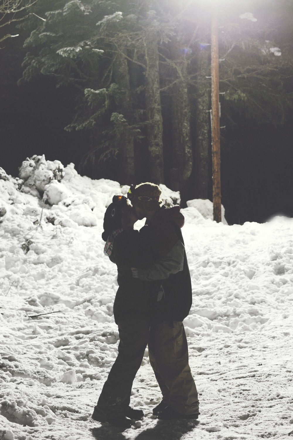 002+outlive+creative+oregon+best+engagment+shoot+location+ski+bowl+skyler+katie.jpg