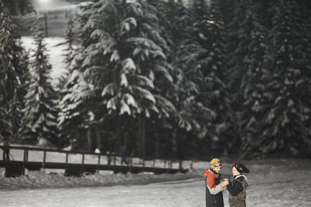009+outlive+creative+oregon+best+engagment+shoot+location+ski+bowl+skyler+katie.jpg