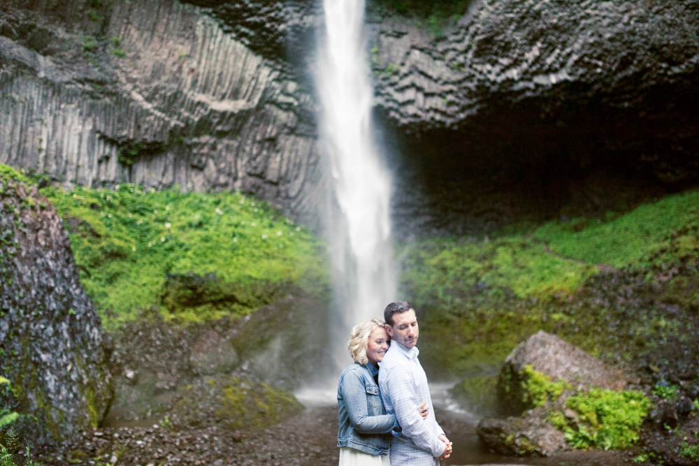 024Meagan+Tommy @ Latourell Falls +Oregon+Engagement+Session+Portland+Wedding+Film+Photography@outlivecreative.jpg
