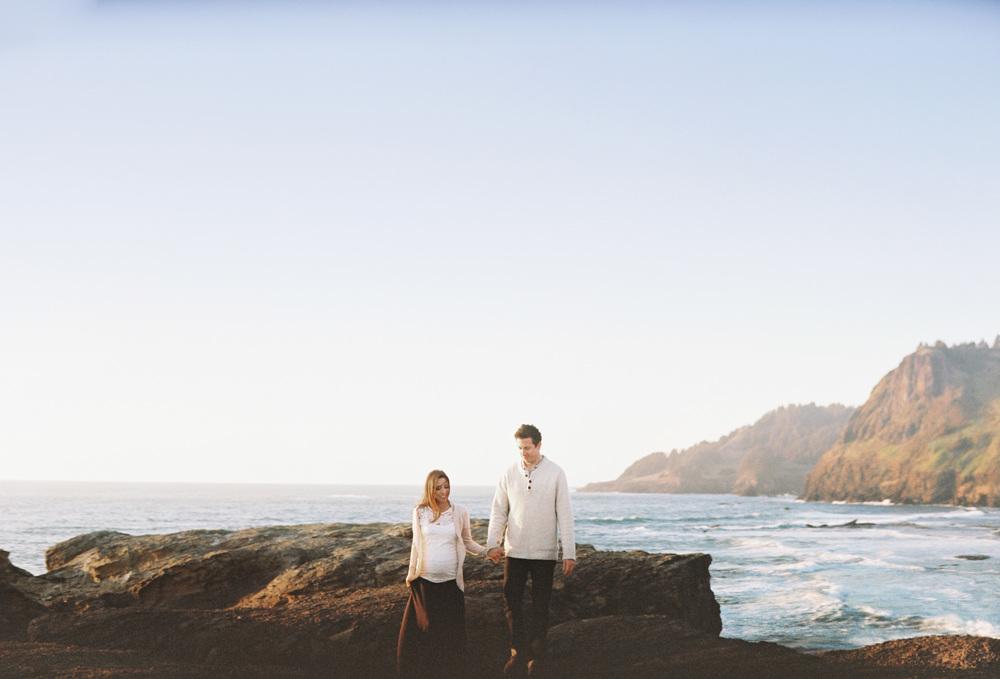 015DevilsPunchBowl+OregonCoastEngagmentPhotoShoot+OutliveCreative.jpg