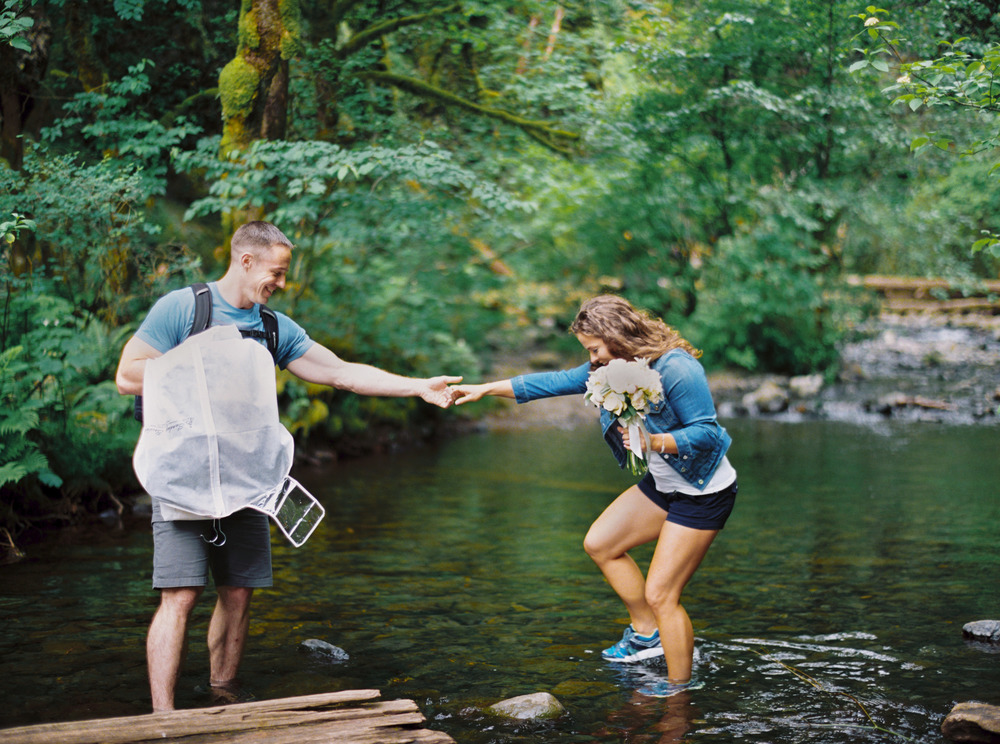 022OneontaGorge+Elopement+Photography+Videography+Oregon+OutliveCreative.jpg